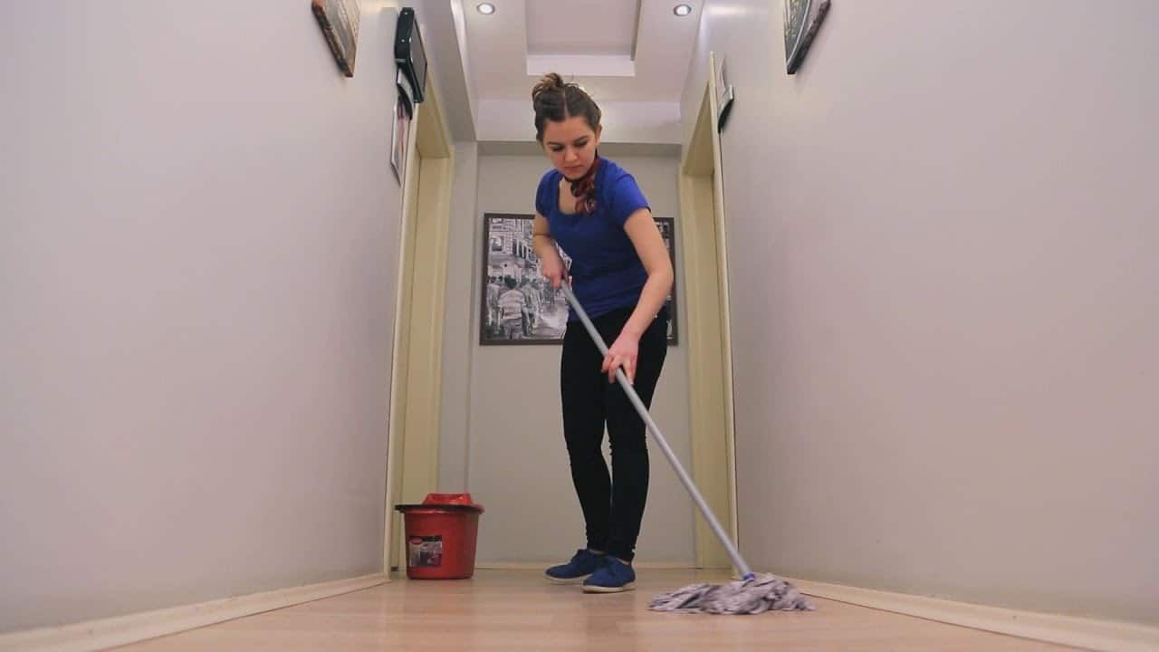 Floor Cleaning and Mopping Services in Longueuil